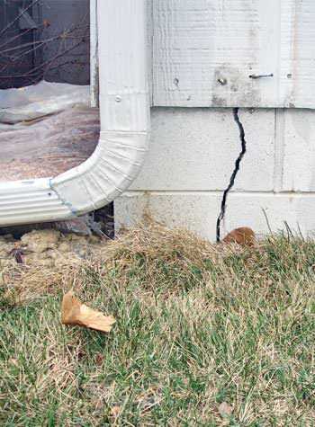foundation wall cracks due to street creep in Saint Helena Island